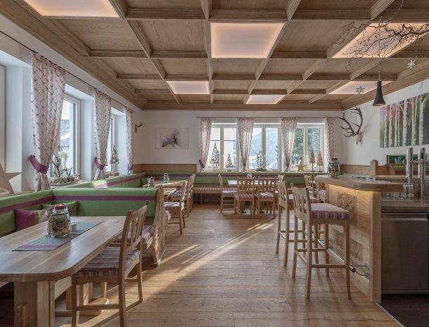 hotel-loy-grobming-restaurant.jpg