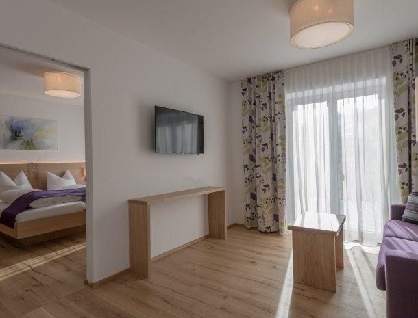 hotel-loy-grobming-kamer met zitgedeelte.jpg