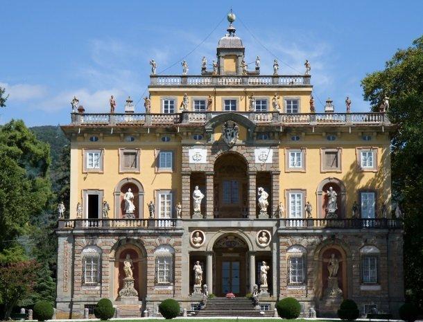 lucca villa torrigiani.jpg