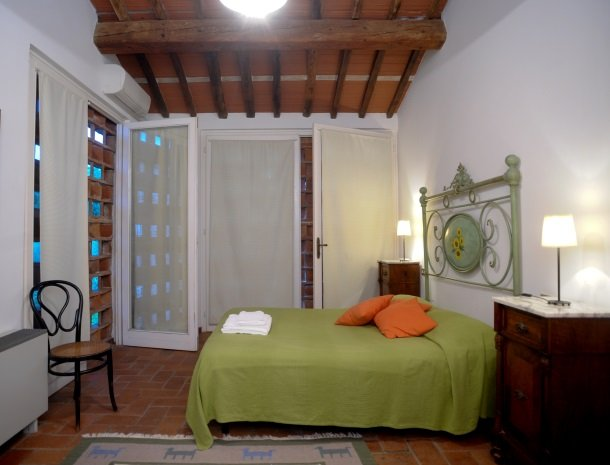 colledibordocheo-lucca-appartement-slaapkamer.jpg