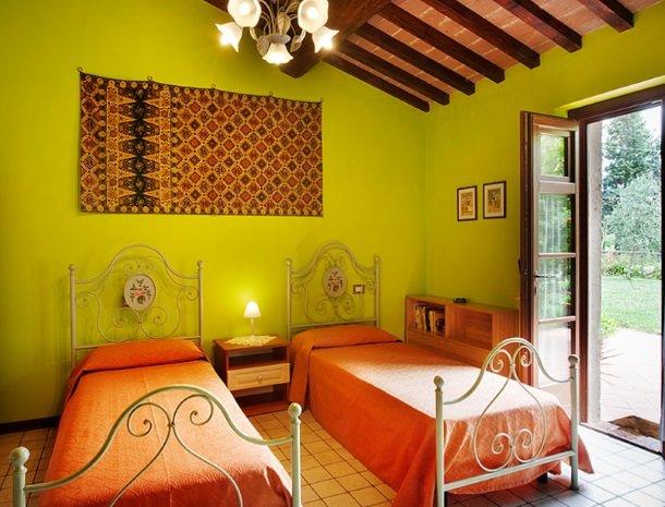 agriturismo gatto giallo montegabbione slaapkamer suite groen.jpg
