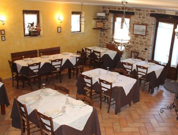agriturismo-gli-ulivi-cingoli-het restaurant.jpg