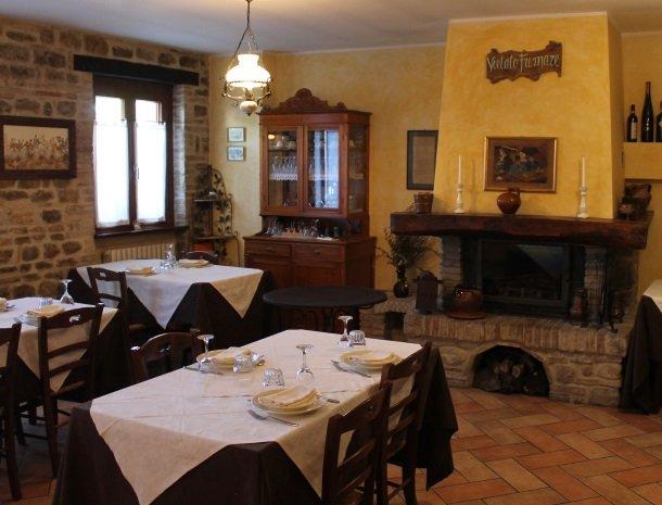 agriturismo-gli-ulivi-cingoli-restaurant.jpg