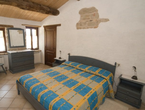 agriturismo alla vecchia quercia-pergola-slaapkamer.jpg