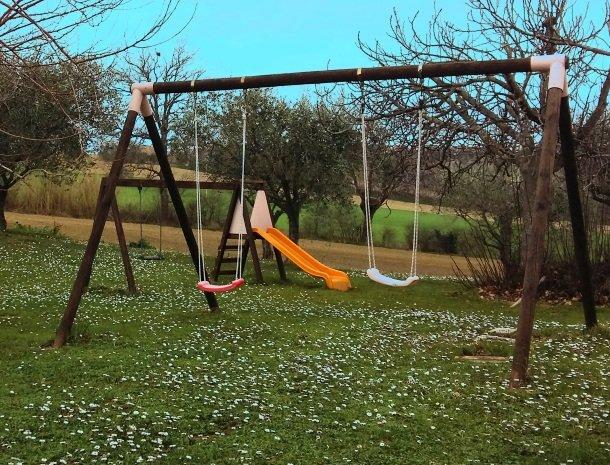 agriturismo-divin-amore-marche-speeltuin.jpg