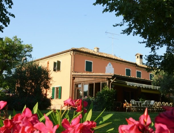 agriturismo-divin-amore-marche-tuin-huis.jpg