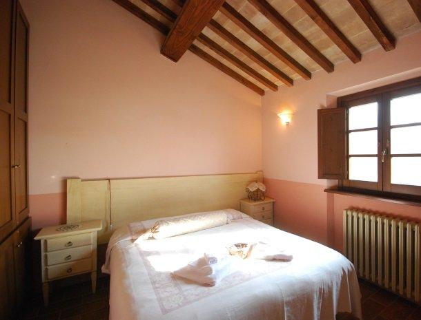 agriturismo-il-felcino-umbrie-appartement-fiordaliso-slaapkamer.jpg
