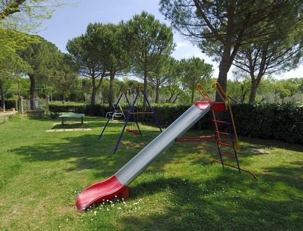 la-casa-colonica-tuoro-sul-trasimeno-speeltuin.jpg