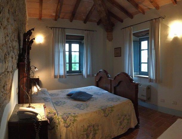 podere-alberese-asciano-toscane-slaapkamer-2personen.jpg
