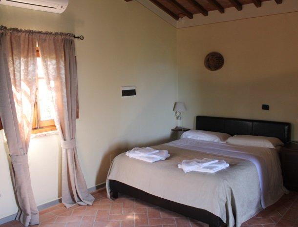 borgo-divino-montespertoli-toscane-slaapkamer.jpg