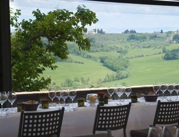 borgo-divino-montespertoli-restaurant.jpg