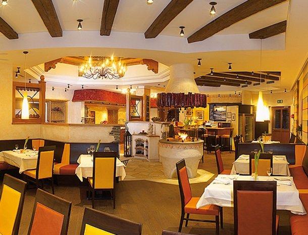 hotel bergzeit-eetzaal.jpg