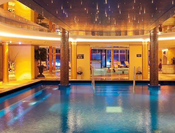 hotel bergzeit-grossarl-binnenzwembad.jpg