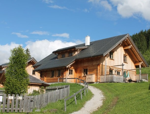 huttendorp-dachsteinblick-pruggern-huis.jpg