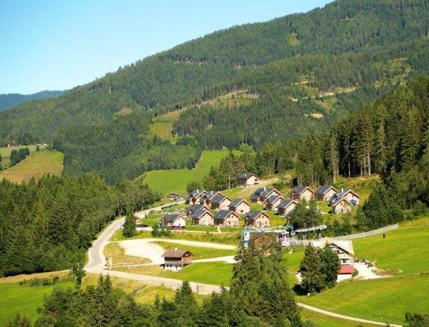 huttendorp-dachsteinblick-pruggern-dorp.jpg