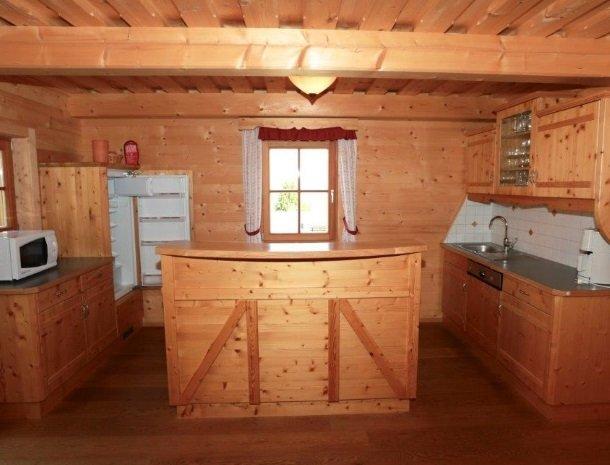 huttendorp-dachsteinblick-pruggern-keuken.jpg