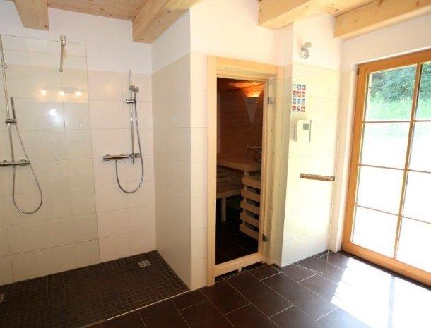 huttendorp schladming-badkamermetsauna.jpg