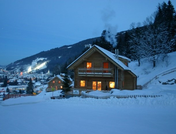huttendorp schladming-huisbynight.jpg