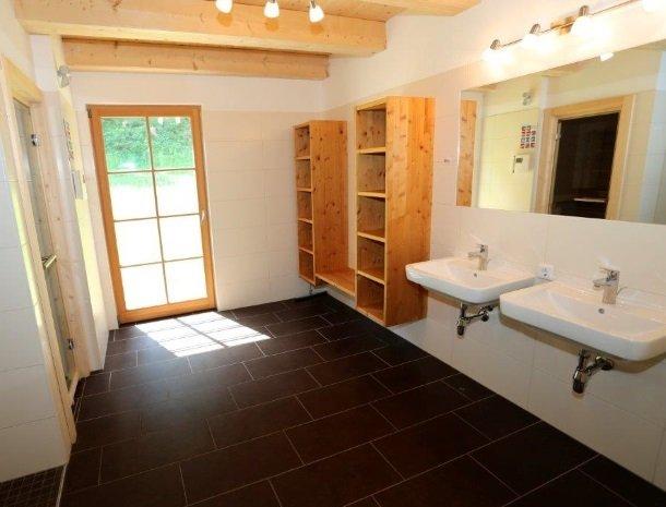 huttendorp schladming-badkamer2.jpg