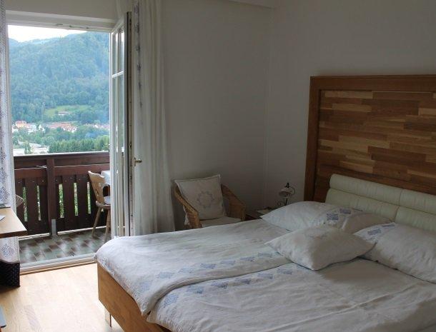 kleinhofers himbeernest - slaapkamerraam.jpg