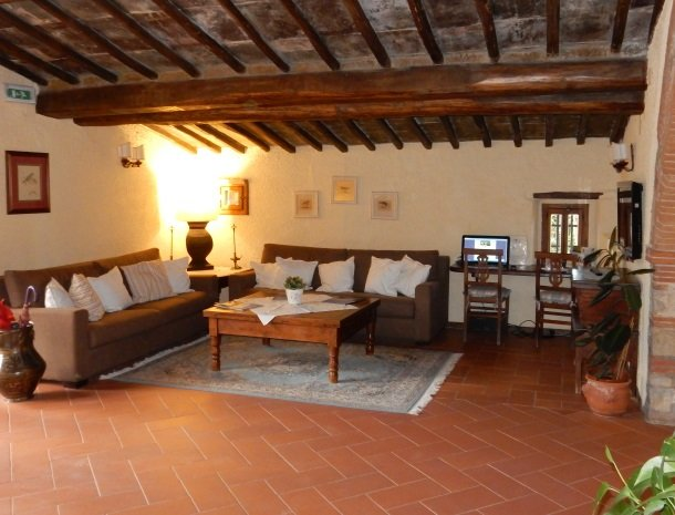hotel-salivolpi-castellina-in-chianti-lounge.jpg