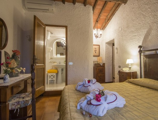 hotel-salivolpi-castellina-in-chianti-slaapkamer2.jpg