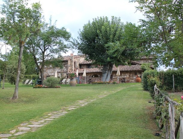 hotel-salivolpi-castellina-in-chianti-tuin-hotel.jpg