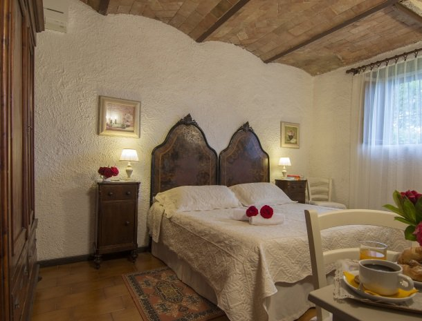 hotel-salivolpi-castellina-in-chianti-slaapkamer.jpg