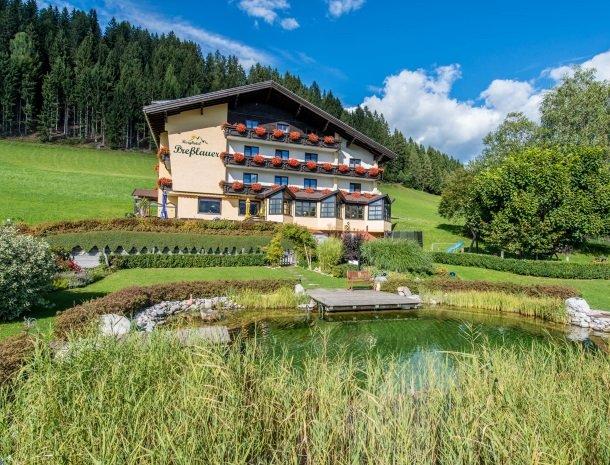 berghotel-presslauer-nassfeld-meer-hotel-overzicht.jpg