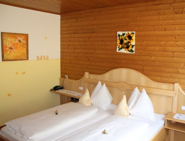 berghotel-presslauer-nassfeld-slaapkamer-4.jpg