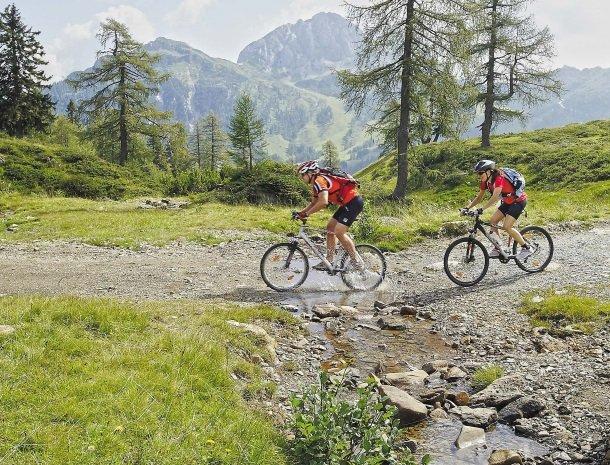 berghotel-presslauer-nassfeld-fietsen.jpg