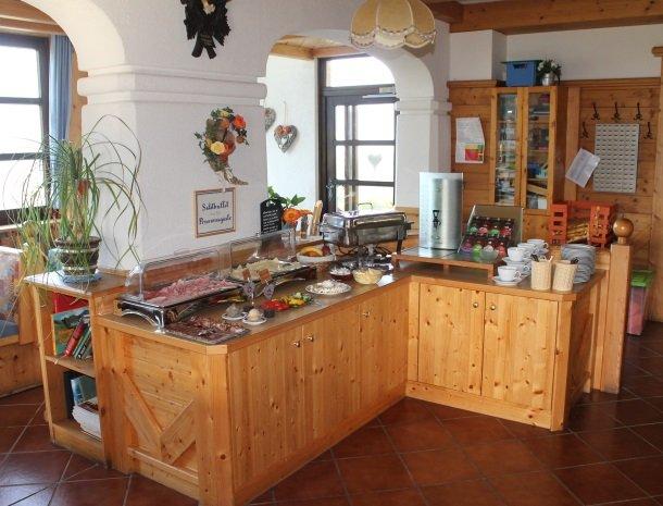 berghotel-presslauer-nassfeld-ontbijt.jpg