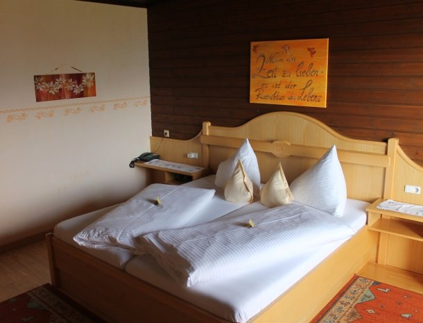 berghotel-presslauer-nassfeld-slaapkamer-3.jpg