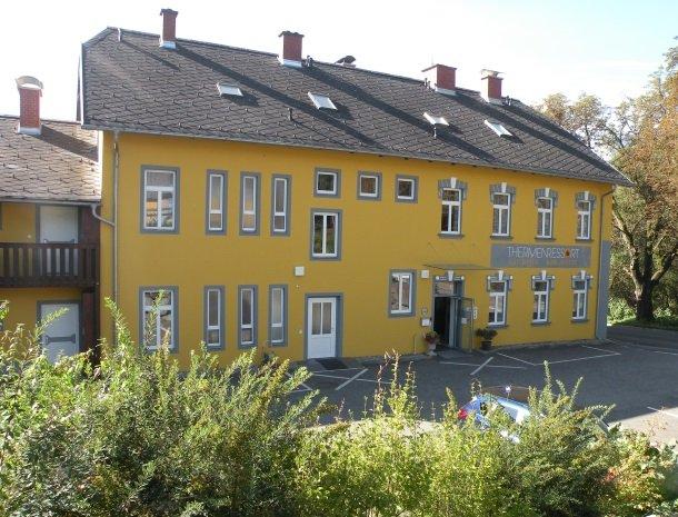 gastehaus karl august-voorkant-hotel.jpg