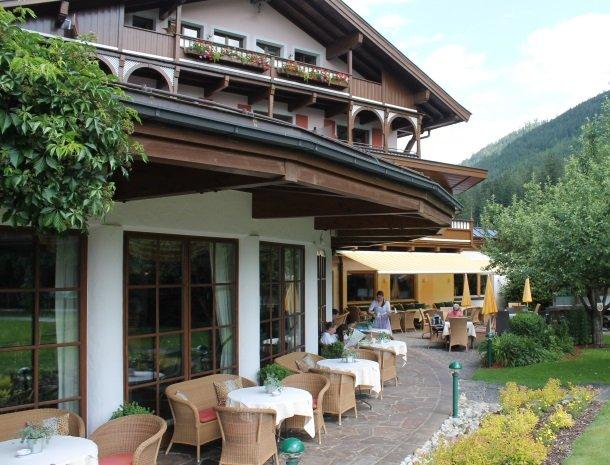 hotel kirchner - terrasaanhuis.jpg