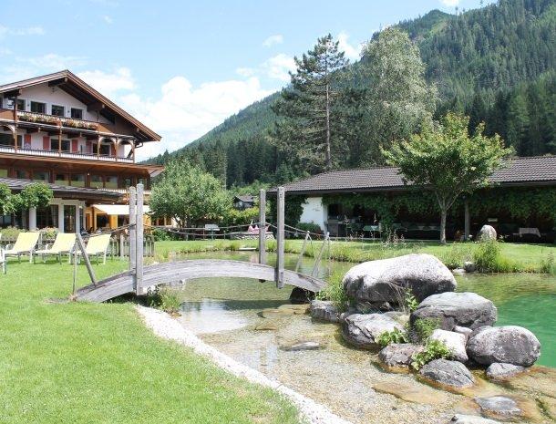 hotel kirchner - tuinmetbrug.jpg