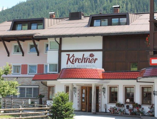 hotel kirchner - voordeurr.jpg
