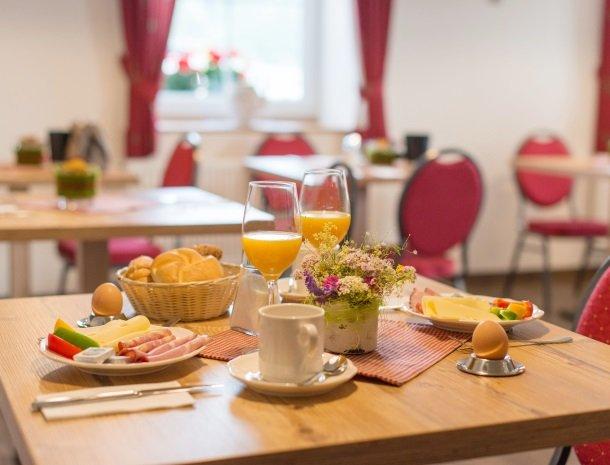 landhaus-hubertus-rohrmoos-ontbijtje.jpg