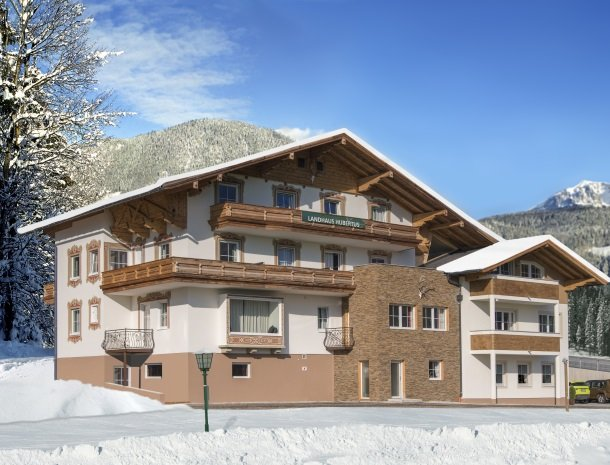 landhaus-hubertus-rohrmoos-overzicht-winter.jpg