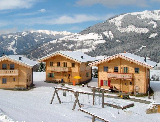 ferienhof_oberreit.huizeninsneeuw.jpg