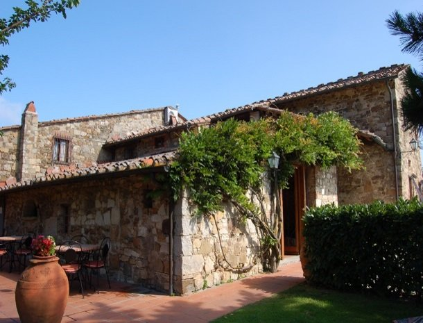 hotel-salivolpi-castellina-in-chianti-terras.jpg