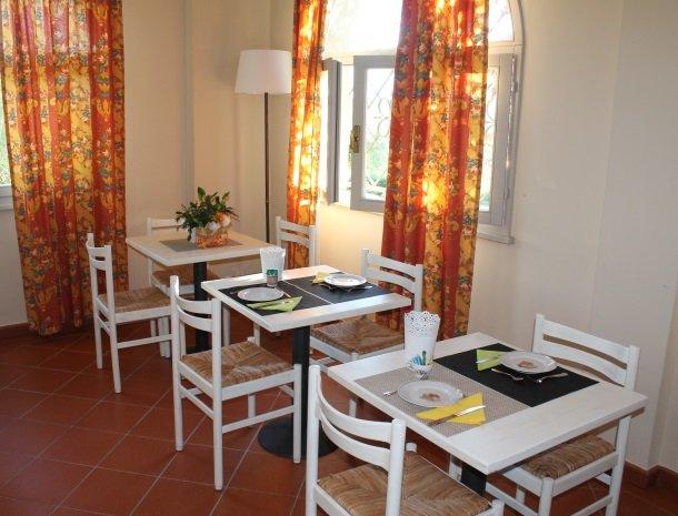 podere-san-giusto-toscane-ontbijtzaal.jpg