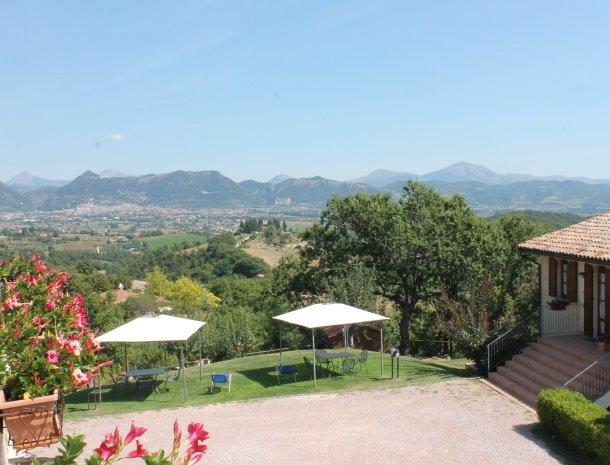 case-vacanze-casalta-gubbio-uitzicht.jpg