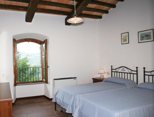 case-vacanze-casalta-gubbio-slaapkamer-2.jpg