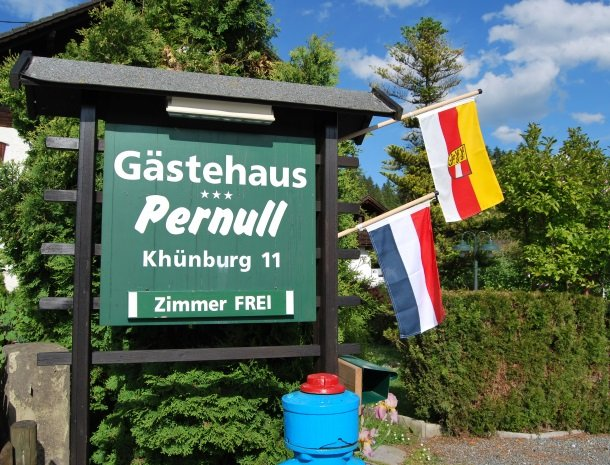 gastehaus-pernull-bord.jpg