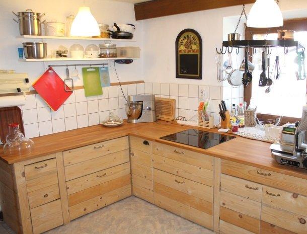 gastehaus-pernull-keuken-gezamelijk.jpg