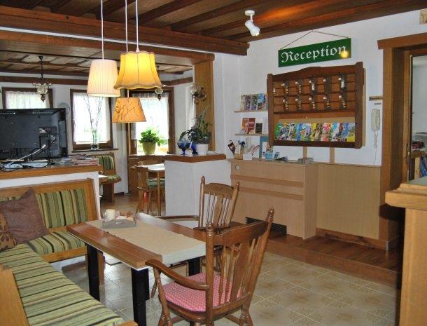 gastehaus-pernull-receptie.jpg