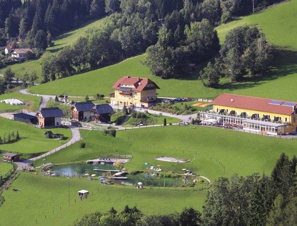 petschnighof-diex-overzicht-hotel.jpg