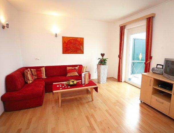 petschnighof-diex-kamer-bed-tv.jpg