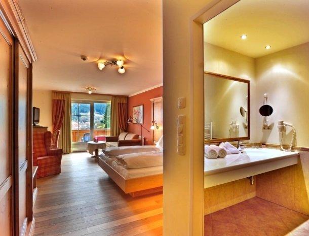 ferners-rosenhof-murau-badkamer-slaapkamer.jpg